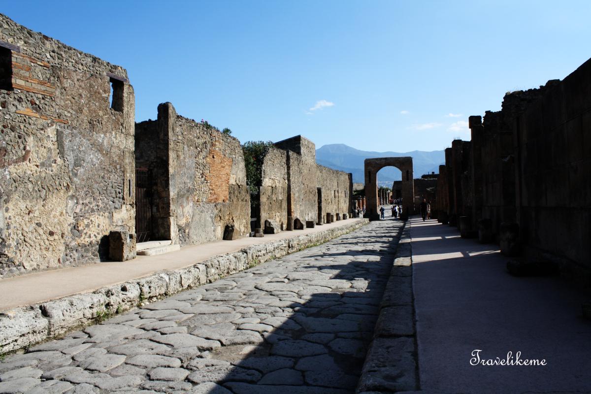 Pompeii Rediscovered